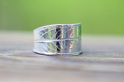 SilverBlueberry: Making a leaf ring with Precious Metal Clay - step by step Photo tutorial - Bildanleitung