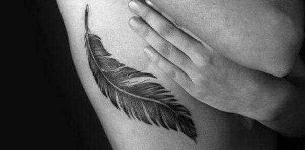 Tattoo inspiratie veren tatoeages-De tatoeage rage gaat maar door op de Fashionlab redactie en na de tiny text tattoos, grote bloementatoeages en mini tattoos hebben we nu een crush op veren tatoeages.