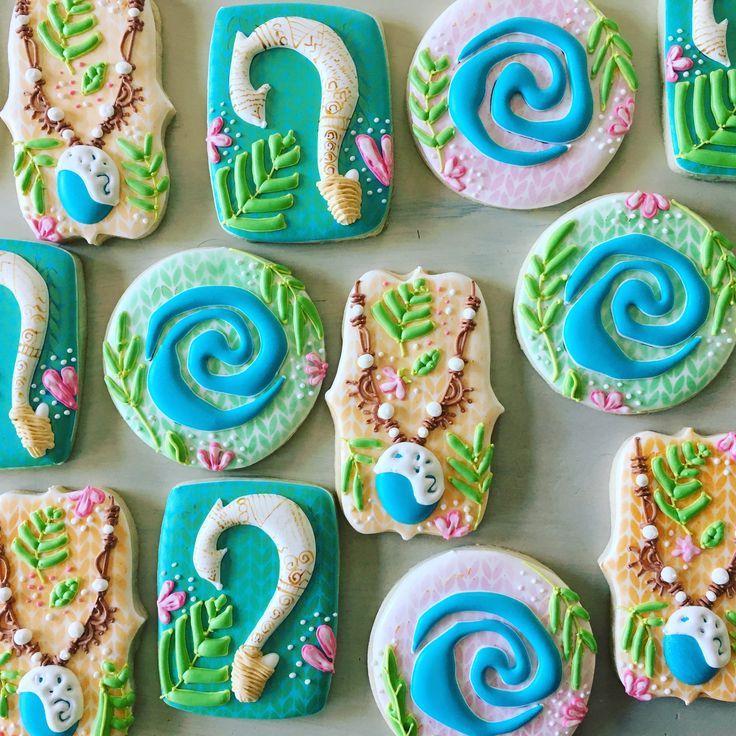 Disney Moana cookies @tinytudorcookies