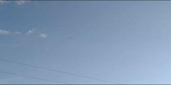 UFO πάνω από την Καλιφόρνια και ελικόπτερο που το ελέγχει ...!