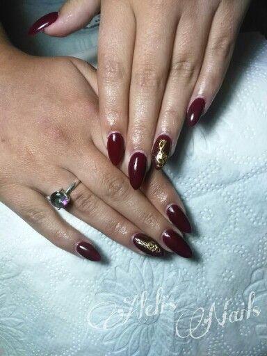Singer nails