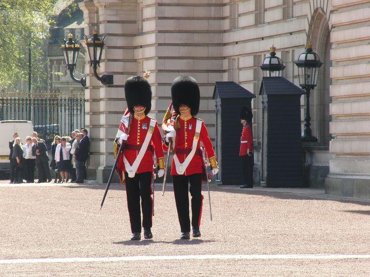 Buckingham Palast, Palace, Wache, Wächter, Wachsoldat, Wachablösung,   London, Londres, Londra, Лондон, Großbritannien, Great Britain, grande-Bretagne, Gran Bretagna,