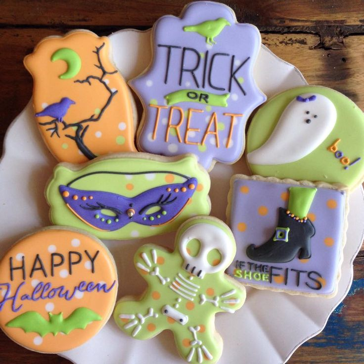 bambella cookies on facebook - Decorating Halloween Cookies