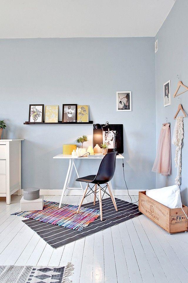 bureau en bleu pastel
