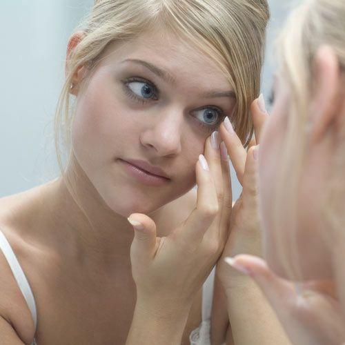 ¿Qué precauciones tengo que tener al maquillarme si uso lentillas? #beauty #makeup