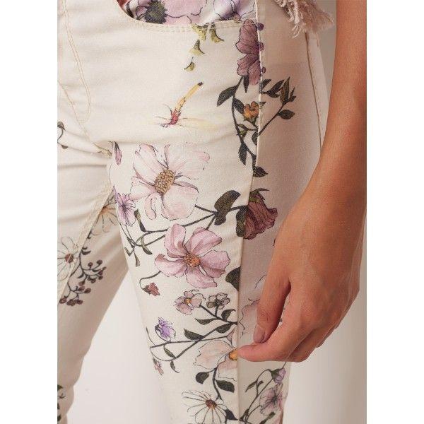 Le Lis Blanc. Floral pattern design, estampa corrida floral