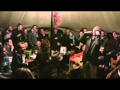 Ambiance de fous au camping! Festival Django Reinhardt 2011 - Via con me