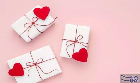 قائمة مميزة غير تقليدية تساعدك عند اختيار هدية عيد الحب مضى أكثر من شهر على ا Valentines Day Gifts For Him Valentines Day History Valentines Day Gifts For Her