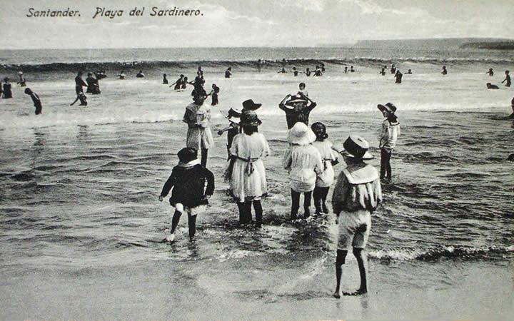 """""""Baños de Ola"""" en el Sardinero, Santander"""