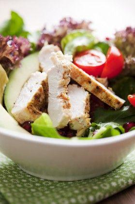 Низкокалорийный салат с куриным филе