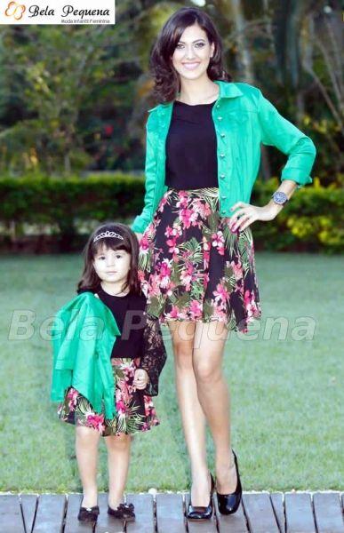 Conjunto mãe e filha com saia floral