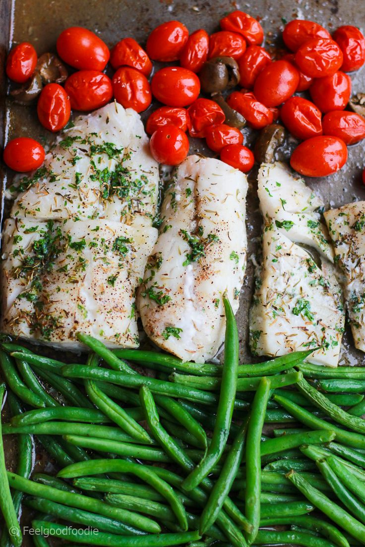 Sheet Pan Cod with Green Beans and Tomatoes