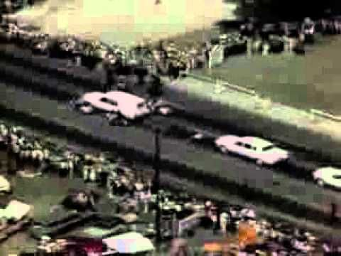 ▶ Elvis' death_august 18,1977_wmc-tv coverage of elvis'funeral procession. - YouTube