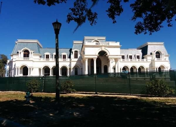 10 Legendary Homes That Were Never Finished Big Houses Mansions
