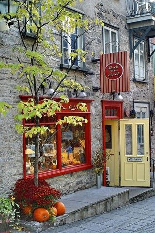 Quebec, Canada (autumn store front) - a photo by Steve L