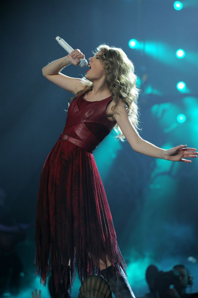 Style Taylor Swift Red Dresses 08