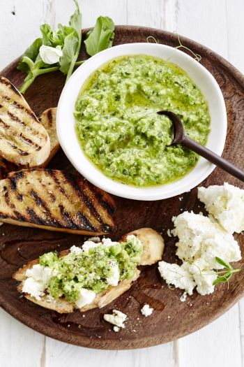 Fresh Pea Pesto and Ricotta Bruschetta recipe on http://www.nomu.co.za/recipes