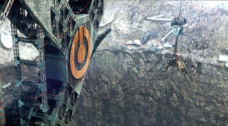 Gdy Wieża Eiffla odleci (dosłownie) na złom – pamiętaj; strzeż się syreny.