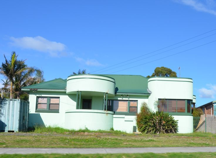 Art Deco House At Albion Park NSW