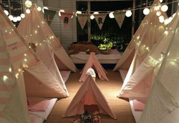 32 ideias para fazer uma festa do pijama para sua filha!