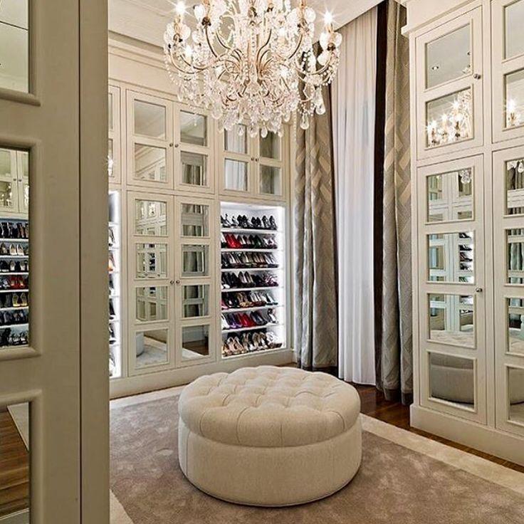 Mansion Master Bedroom: 17 Best Ideas About Mansion Bedroom On Pinterest