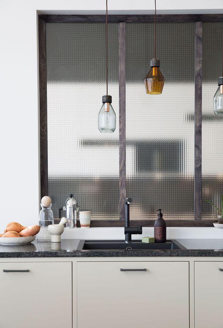 Modernt kök med köksö - Bistro ostronbeige | Ballingslöv