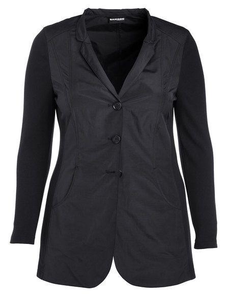 Waardevol karakter toont deze blazer in fijne glinsterende kwaliteit met comfortabele jersey mouwen en zijpanelen. De lange stijl met vrouwelijke opst... Bekijk op http://www.grotematenwebshop.nl/product/vleiende-lange-blazer/