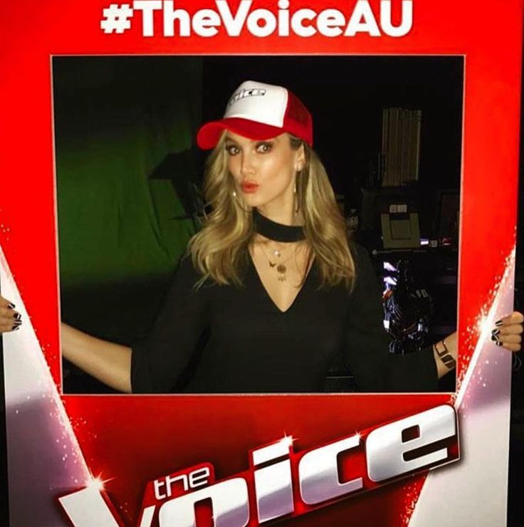 At my home at the @channel9 studios they have all the Fun stuff!! @thevoiceau ! It's allllll starting in 4 days AHHHHHH ❤️#teamdelta xox
