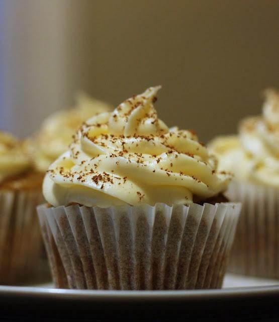 Cupcakes Banoffee con dulce de leche e crema di formaggio glassa