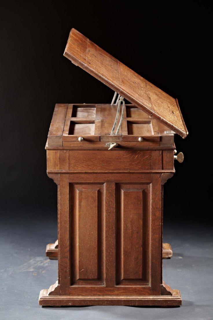 An Arts and Crafts Period Oak Drafting Table with Adjustable Slope image 6 | Dear Santa :)