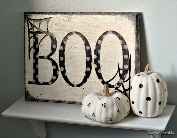 A simple and sweet 10-minute Halloween BOO sign with painted pumpkins. So quick to make and so cute! @silhouettepins #silhouetteportrait