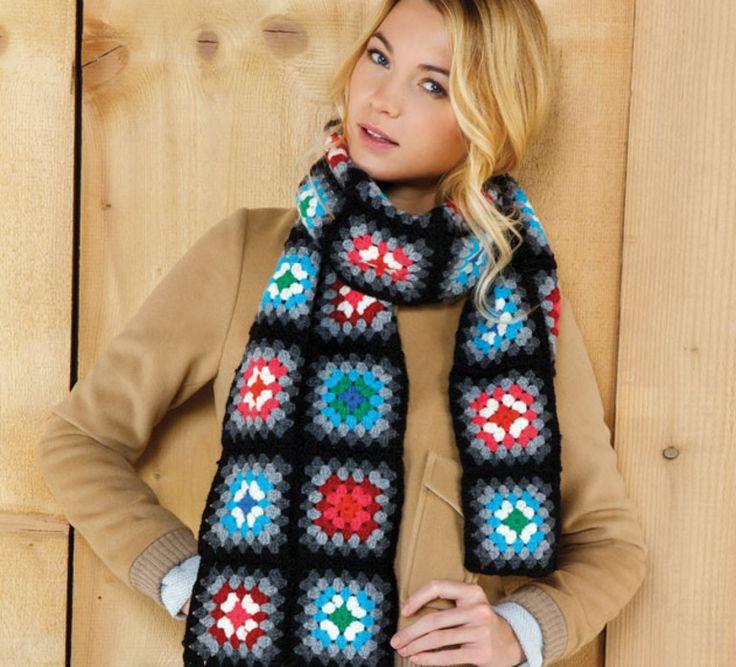 Pour égayer les temps gris, lancez-vous dans la réalisation de cette écharpe toute en couleur. Elle est crochetée en ' laine partner 3.5 '. Elle se compose d'un assemblage de carrés crochetés un par un.Modèle tricot n°01 du livre Marie-Claire n°835 : Crochet débutant, Femme, printemps/été 2014