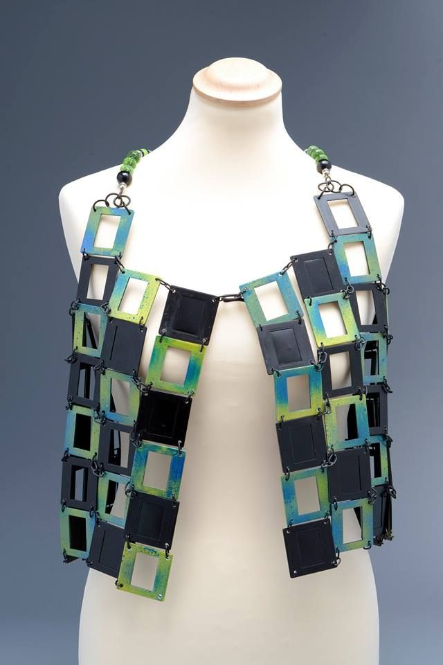 VEST MADE WITH SLIDES  -GILE  Many ideas on this page.  https://www.facebook.com/pages/PAGE-Diamania/414250465312431  i #fashion #style #recycled #riciclo #diapositive #creative #photo #green #recycling #ecologic #hand #made #handmade #slides #DRESS #GILE #upcycling