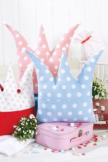 Königliche Kissen - nicht nur für kleine Prinzessinnen! Ganz einfach selber mahcen mit Vorlage und kostenlosem download  Easy DIY royal cushions for you and yout little princess