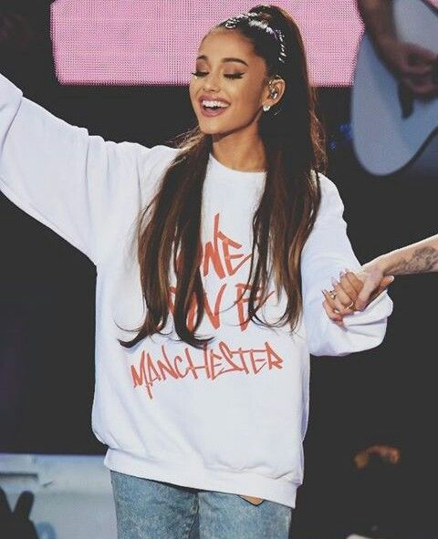 Pray for all those who lost their lives at Manchester we all know their in a better  a place and watch over the ones who are in the hospital at Manchester that Ariana visited and count each other blessing all love to Manchester victims and to Ariana Grande #OneLoveManchester