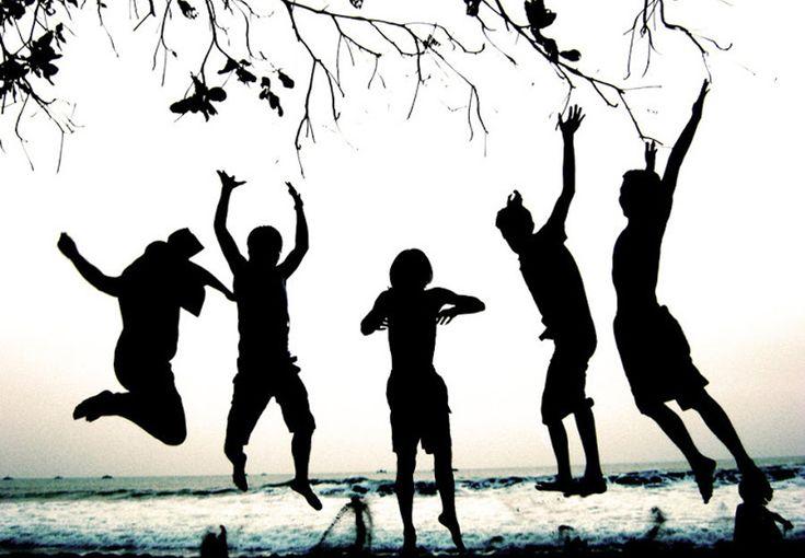 Setiap kali mendengar nama kota atau Kabupaten Magelang, yang ada dalam benak pastilah kemegahan Candi Borobuduryang telah menjadi warisan budaya dunia. Padahal, pesona wisata Magelang tidak melulu tentang candi peninggalan Samaratungga ini.Read More...