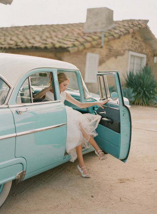 bride: Blue Cars, Vintage Wedding, Classic Cars, Vintage Cars, Tiffany Blue, Getaways Cars, Wedding Cars, Something Blue, Old Cars
