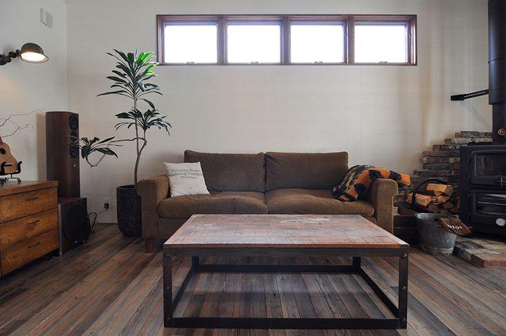 大阪の家具店『TRUCK』のソファ。「大好きなこのソファからイメージをふくらませて、家を完成させました」