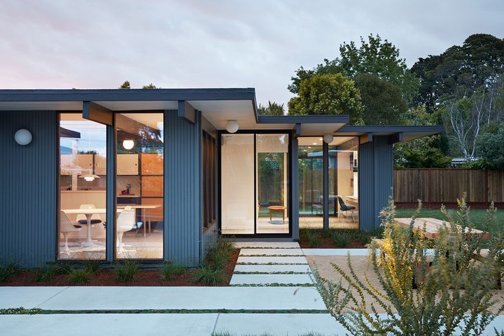 The owners, of this recently renovated Eichler home in San Mateo Highlands, California, is a young couple with two small children. They were particularly keen to preserve as much of the Eichler home's original essence with an eye for minimalist aesthetics.