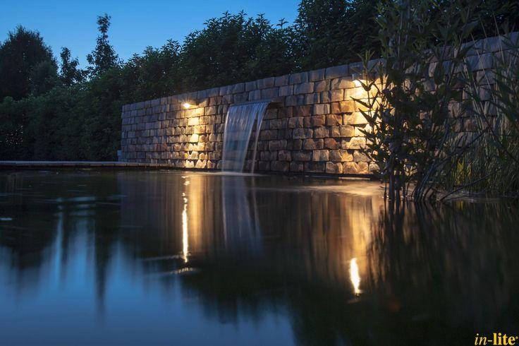 Vijver | Buitenverlichting | Wandlamp FISH EYE WALL | 12V | Outdoor lighting | Stenen muur | Inspiratie