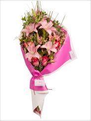 Ambar flores Argentina - Ramo de liliums, rosas ecuatorianas y alstroemerias.