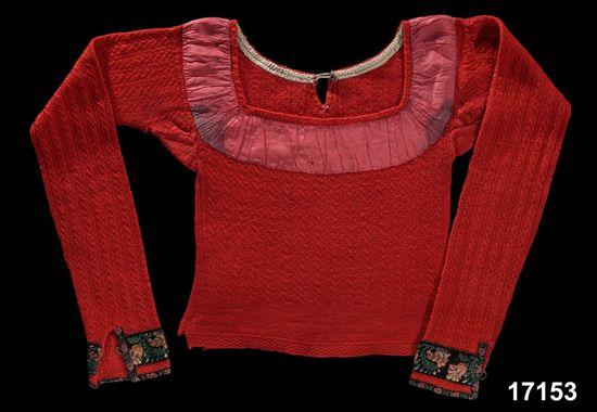 Spedetröja i ull med dekor i siden och sammet; Skytts, 1800-69. Nordiska Museet, nr. NM.0017153