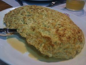 Tortilla de bacalao de Iretza Sagardotegia (foto: Cuchillo)