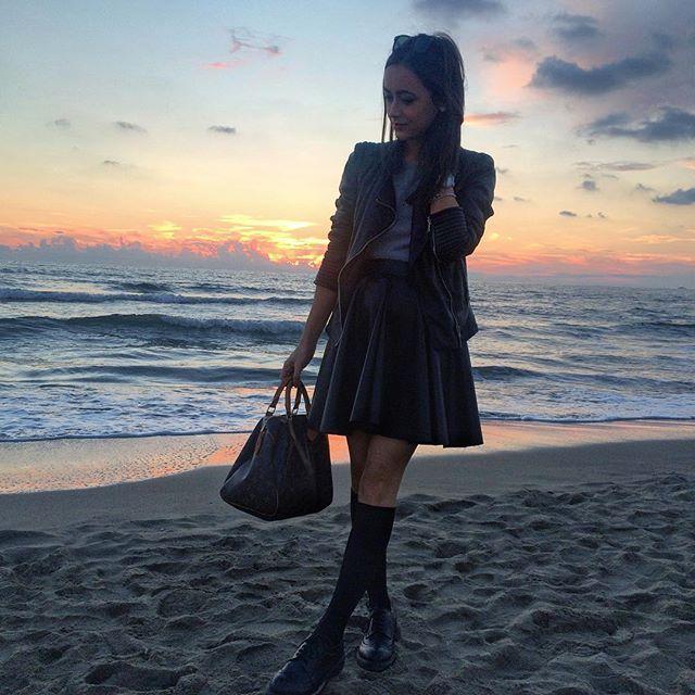 Un tramonto mozzafiato  . #fortedeimarmi #Lauretta #sunset