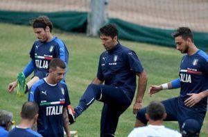 Ada Buffon Donnarumma Tak Akan Tembus Skuat Utama Italia