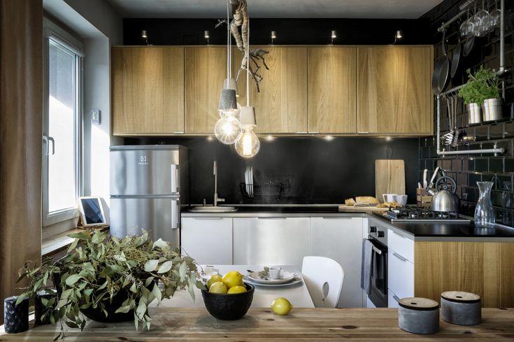 Kawalerka w stylu skandynawskim z elementami loftowymi - PLN Design