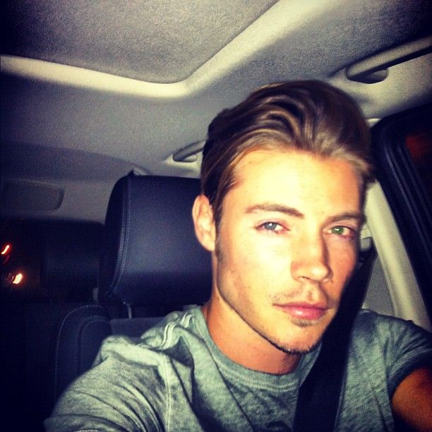 Josh Henderson O.M.G!!!! I think Dallas is one of my new favorites!!!!