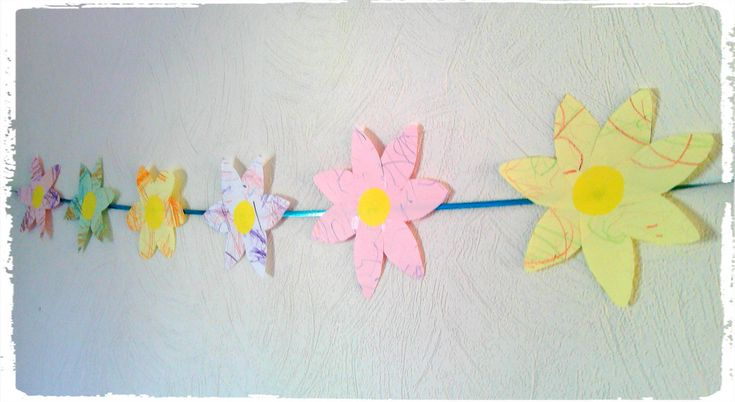 bricolage enfant une guirlande de fleurs enfant. Black Bedroom Furniture Sets. Home Design Ideas