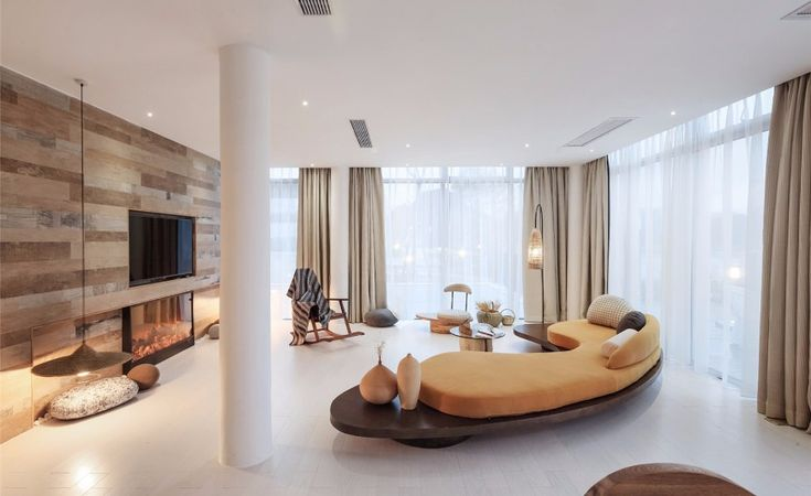 10 Remarkable Modern Sofas In Hotel Interior Design Projects | Velvet Sofa. Living Room Set. Lounge Sofa #modernsofas #velvetsofas #livingroomdesign Read more: http://modernsofas.eu/2017/02/21/remarkable-modern-sofas-hotel-interior-design-projects/