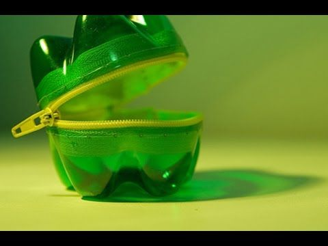 23 Creative Ways To Reuse Old Plastic Bottles - http://www.freecycleusa.com/23-creative-ways-to-reuse-old-plastic-bottles/